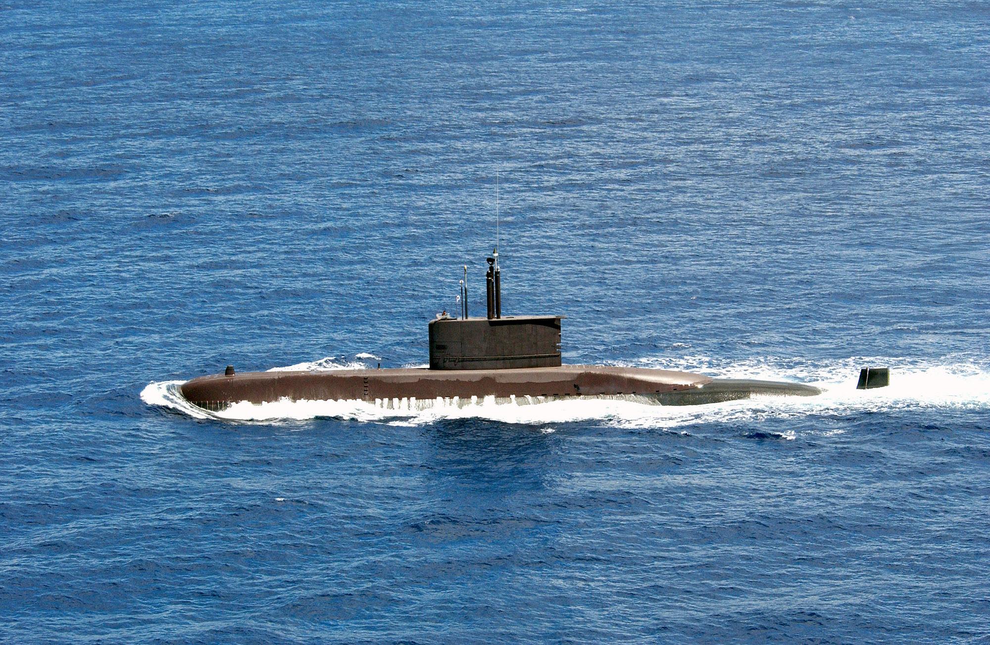 кто выслеживал на собственном катере немецкие подводные лодки