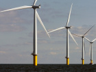 Windmills turn in the breeze. Reuters/Bob Strong/File Photo