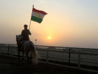 A Kurdish man rides a horse during a march supporting the coming referendum in Erbil, Iraq September 21, 2017. REUTERS/Alaa Al-Marjani