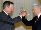 US President George Bush toasts Russian President Boris yeltsin in Moscow January 3 after signing a historic START-2 treaty