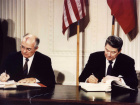 File photo of U.S. President Ronald Reagan (R) and Soviet President Mikhail Gorbachev signing the Intermediate-Range Nuclear Forces (INF) treaty at the White House, on December 8 1987. [Reagan was elected as the 40th U.S. president in 1980. Former U.S. President Reagan's health is deteriorating and he could have only weeks to live, a U.S. source close to the situation said on June 4, 2004. Reagan, now 93, has long suffered from the brain-wasting Alzheimer's disease. The source said Reagan's condition had wo