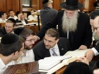 U.S. ambassador Dan Shapiro visits the Mir Yeshiva in Jerusalem​. Flickr/U.S. Embassy Tel Aviv
