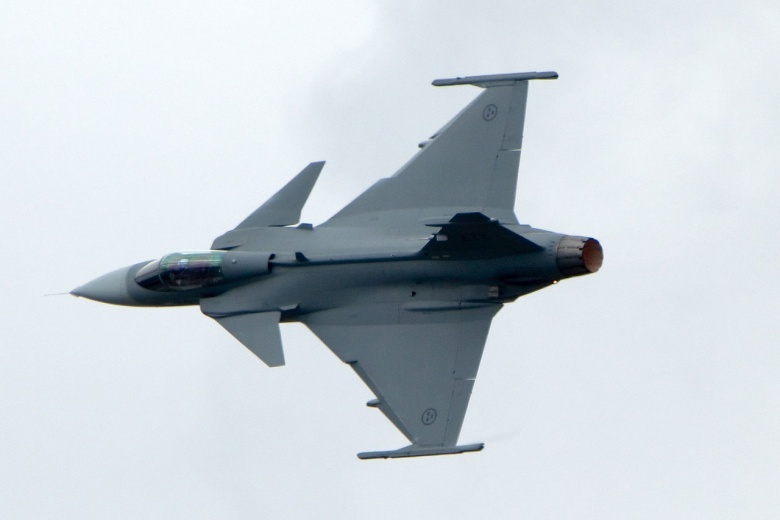 the jas 39 gripen swedens cheap and deadly fighter plane