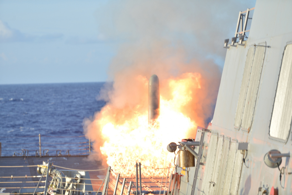 A Tomahawk Land Attack Missile launches during Multi-Sail 2015. DVIDSHUB/Public domain