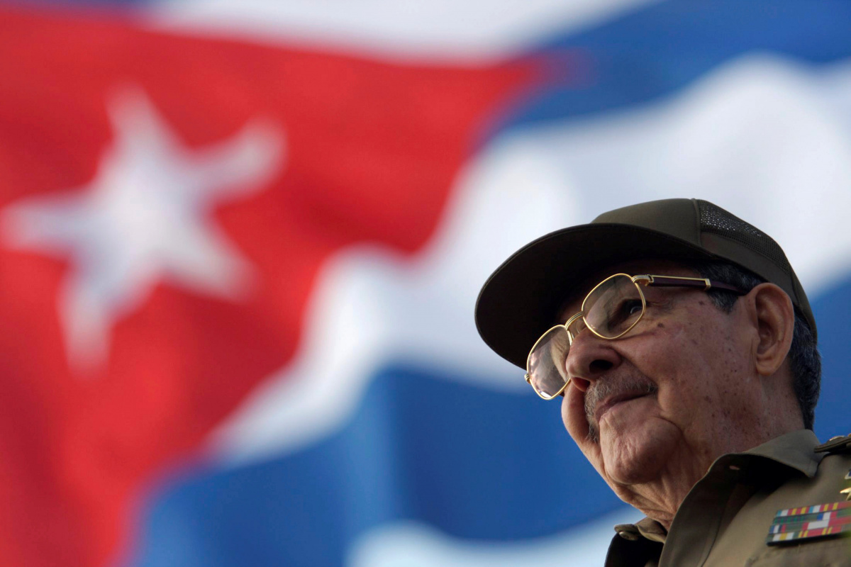 New Cuban president sworn in to replace Raul Castro