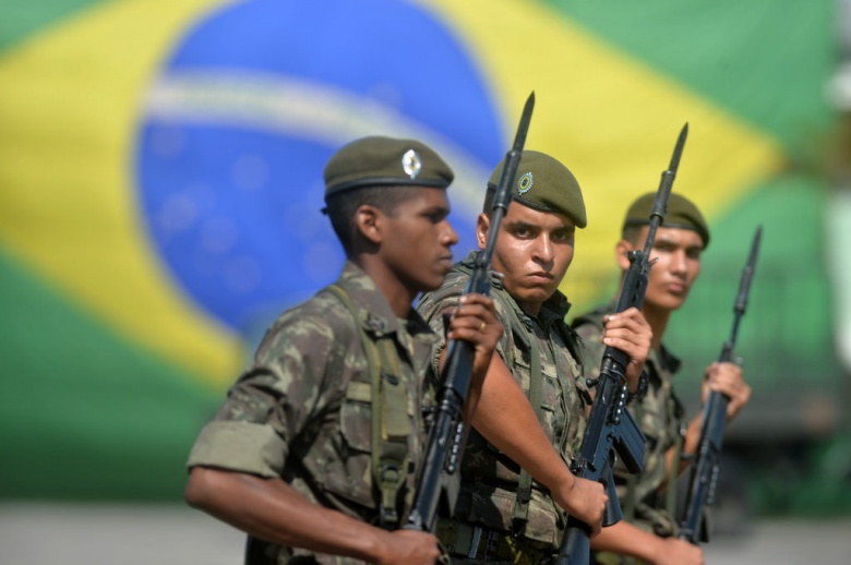 Image: Brazilian troops on parade. Flickr/Ministerio da Defesa. CC BY 2.0.