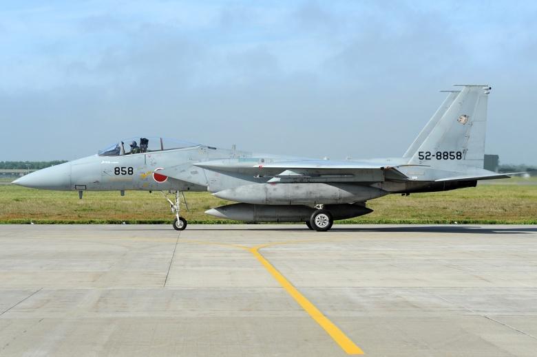 La peligrosa disputa entre China y Japón McDonnell_Douglas_%28Mitsubishi%29_F-15J_Eagle%2C_Japan_-_Air_Force_AN2011585