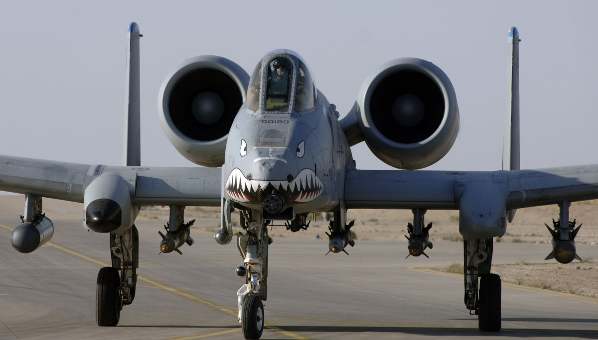 Why the A-10 Warthog Is a Real 'Flying Tank' (And ...