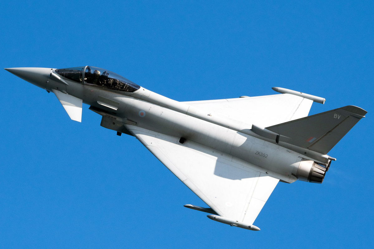 F-16 vs. MiG-35 vs. Eurofighter Typhoon (and More): What ...
