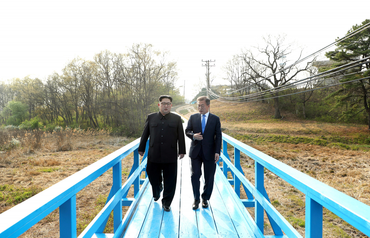 Kim Jong Un makes history, crosses border to meet his rival