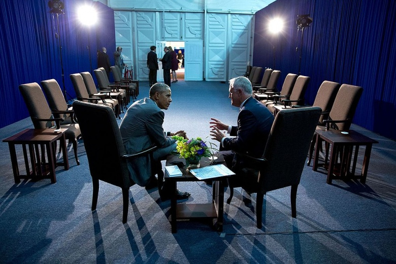 Barack Obama talking with Prime Minister Malcolm Turnbull of Australia. Wikimedia Commons/The White House/Pete Souza