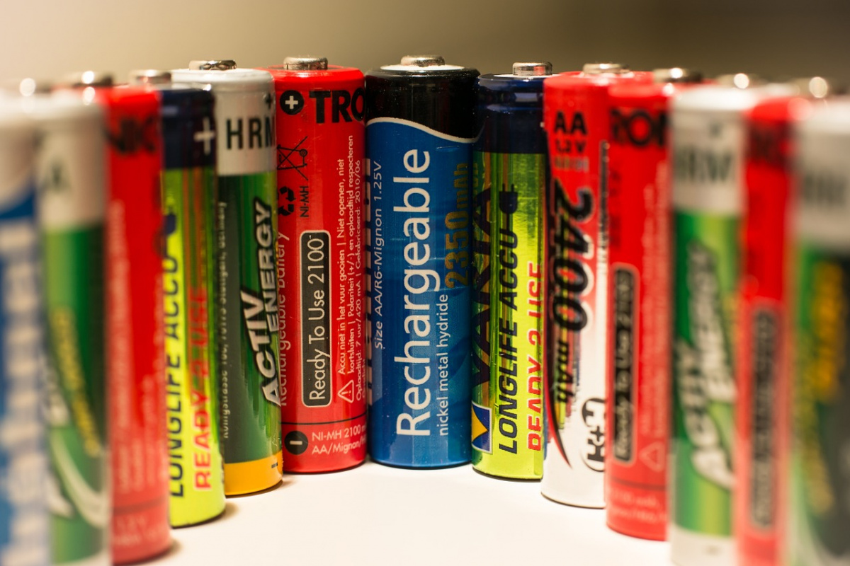 A variety of commercial batteries. Pixlr/Public domain