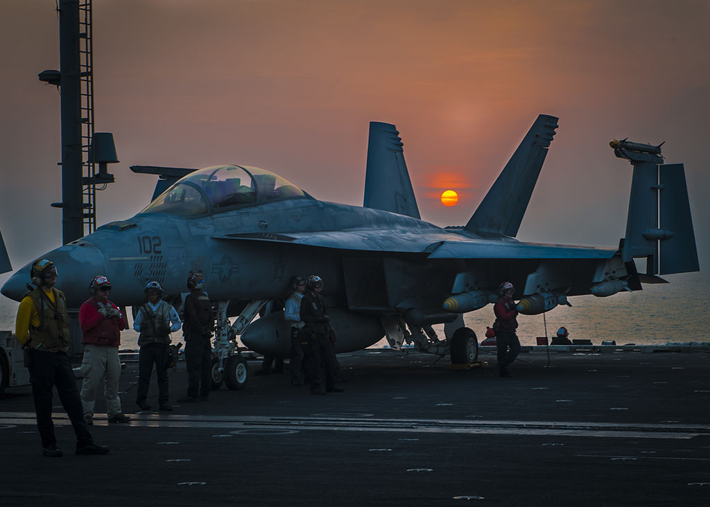 Flight operations on the flight deck of the aircraft carrier USS Carl Vinson. Wikimedia Commons/U.S. Navy