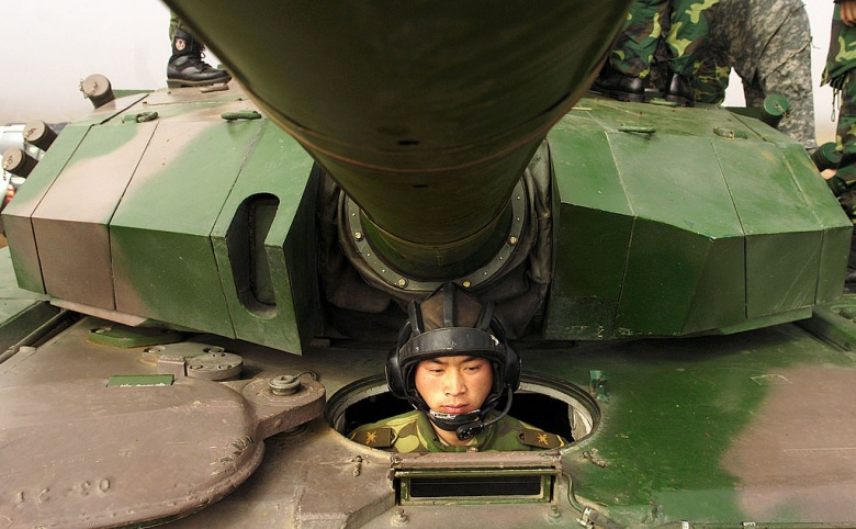 The driver position of a Type 99 tank at Shenyang training base, China. Wikimedia Commons/U.S. Air Force