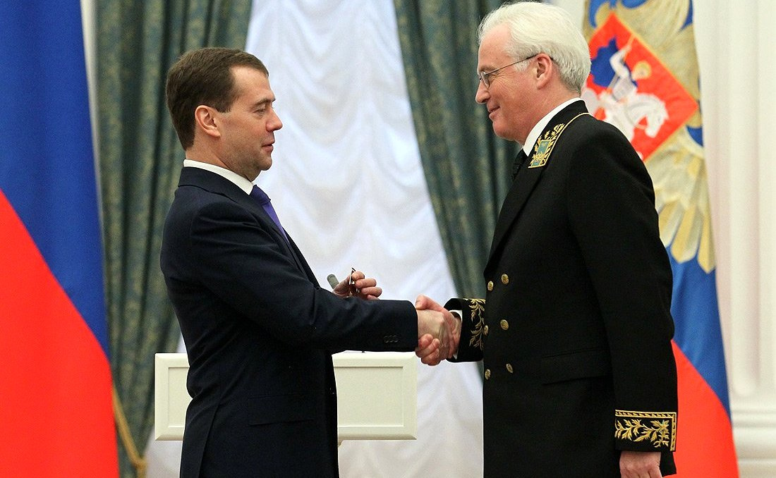 Vitaly Churkin receives the Order for Services to the Fatherland. Kremlin.ru