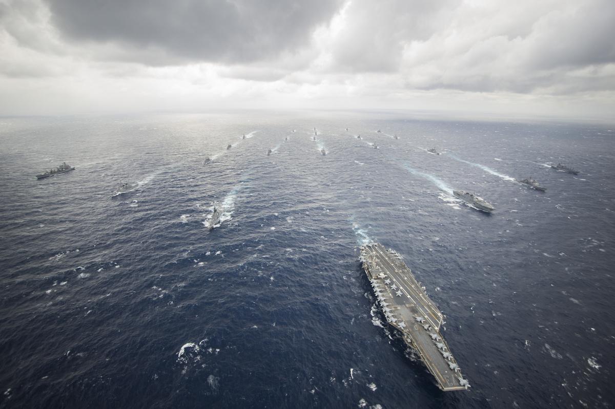 USS George Washington leads the George Washington Carrier Strike Group and Japan Maritime Self-Defense Force ships. Flickr/U.S. Navy