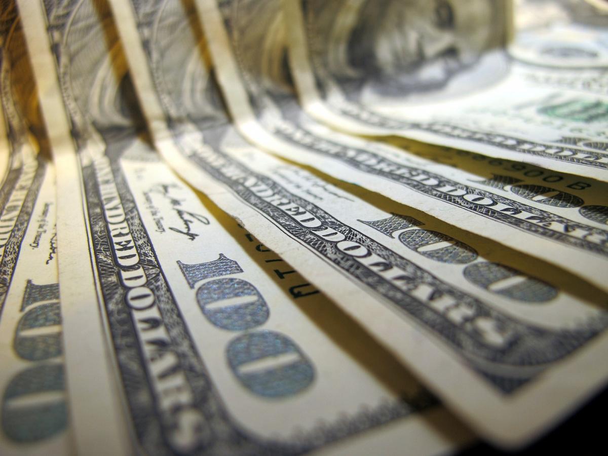 Hundred-dollar bills. Flickr/Creative Commons/@frankieleon