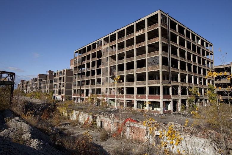 The abandoned Packard Automotive Plant in Detroit, Michigan. Wikimedia Commons/Albert Duce