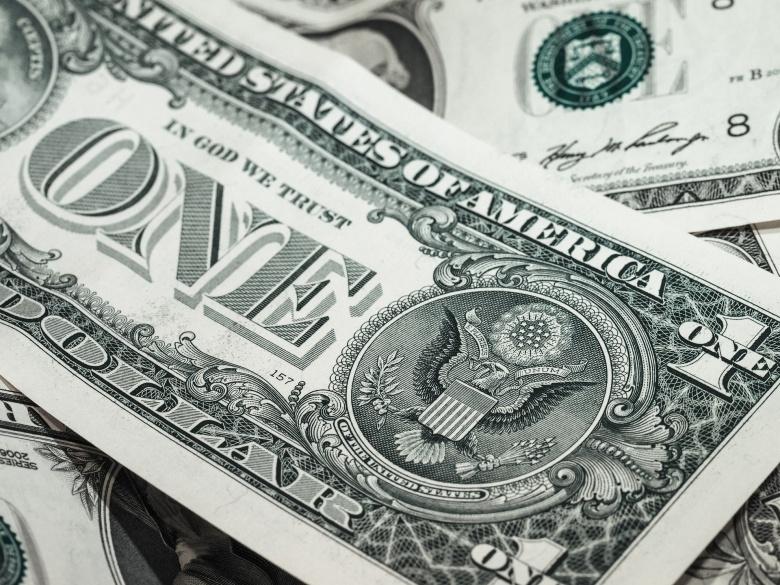 Image: American dollar bills. Pixabay. Creative Commons/Public Domain license.