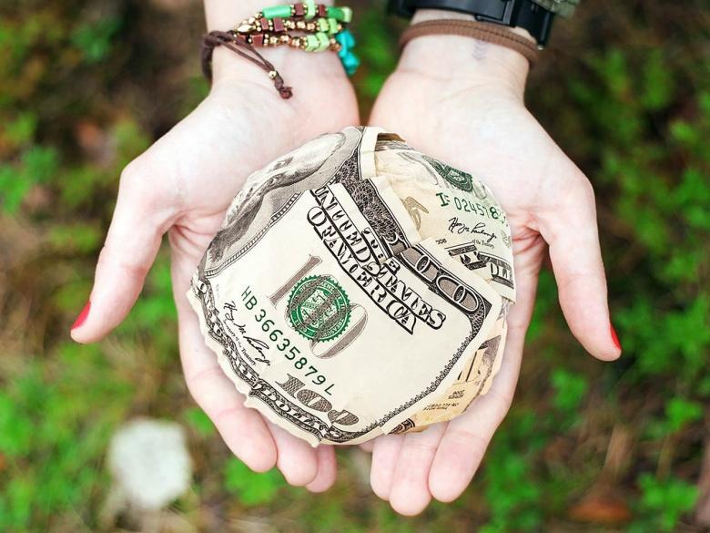 Image: Donation. Pixabay/HeatherPaque. Public domain.