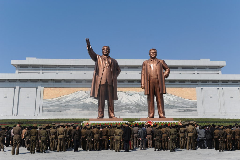 Kim statues in Pyongyang. Flickr/Creative Commons/Tormod Sandtorv