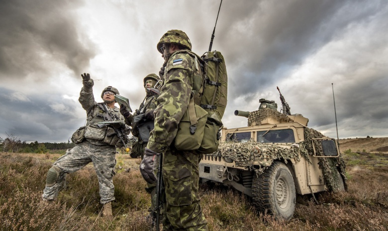 U.S. paratroopers conduct joint training with Estonian army partners during Exercise Steadfast Jazz. Flickr/U.S. Army Europe