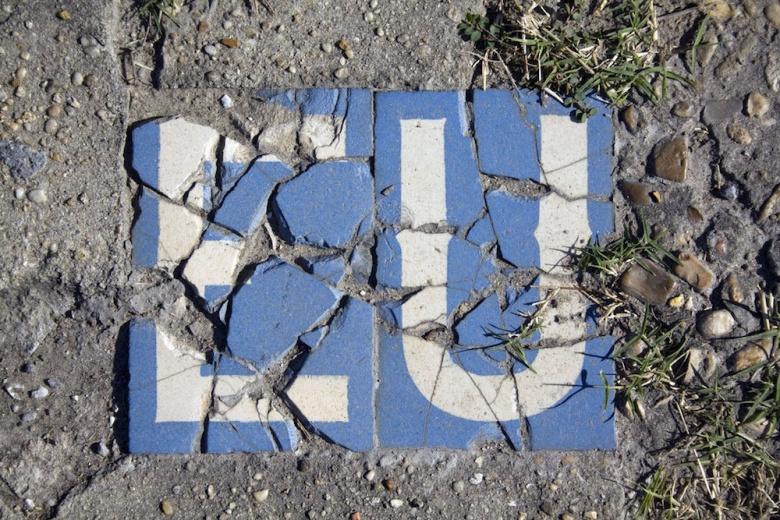 Crumbling EU tiles. Flickr/Derek Bridges