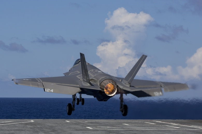 An F-35C Lightning II takes off from USS George Washington during F-35C Development Test III. Flickr/Lockheed Martin