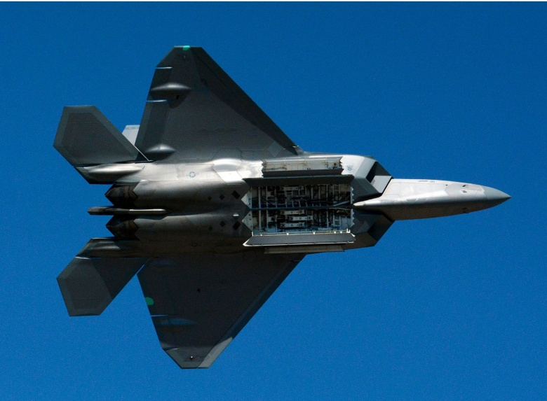 America's F-22 Raptor: The Fighter Jet Japan Desperately Wants (But Can't Have) | The National ...