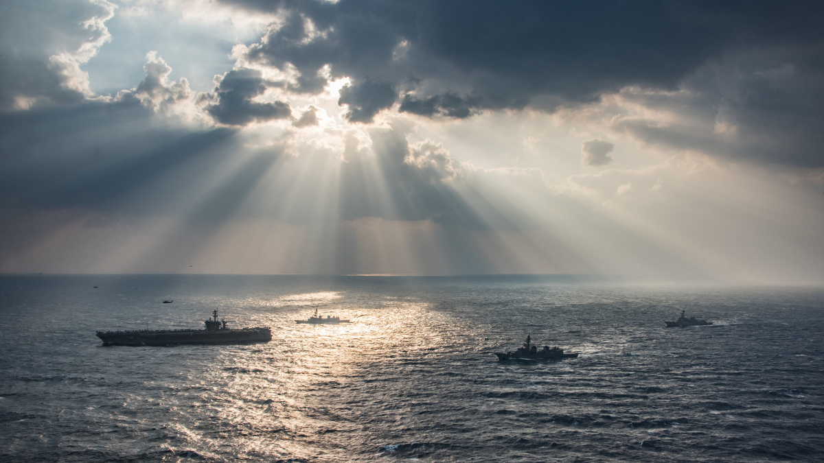 Aircraft carrier USS Carl Vinson transits the East China Sea. Flickr/U.S. Navy