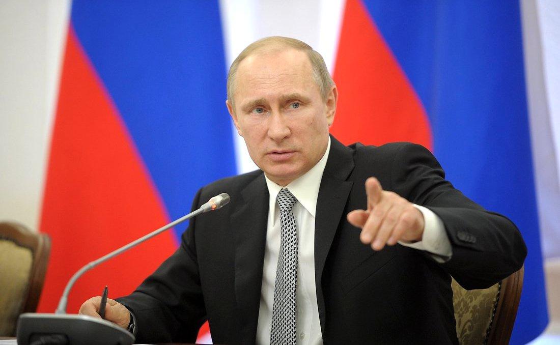 Vladimir Putin meets with members of the Federal Assembly's Council of Legislators. Kremlin.ru