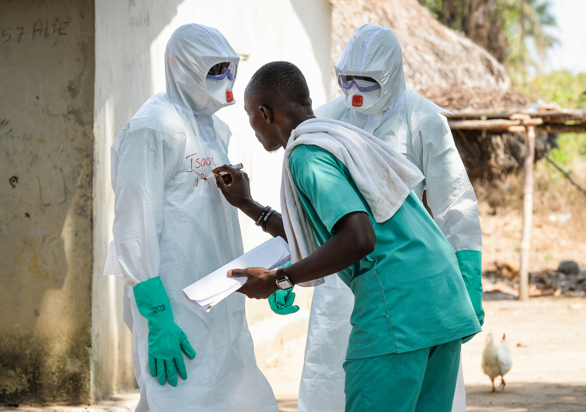 Ebola safety suits in Sierra Leone. Flickr/Creative Commons/UK Department for International Development
