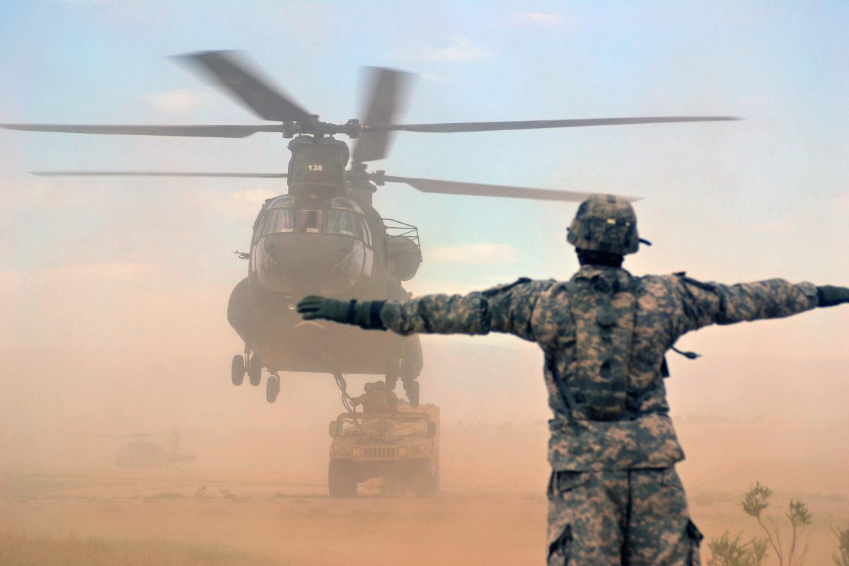 CH-47 Chinook helicopter during a field training exercise. Flickr/DVIDSHUB