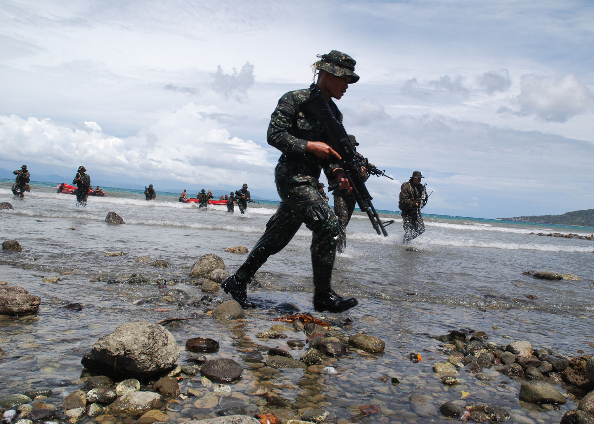 U.S. and Philippine Marines during Cooperation Afloat Readiness and Training Philippines 2012. Flickr/Naval Surface Forces
