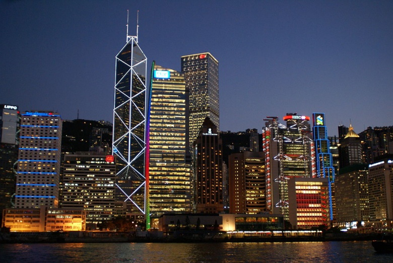 View of Central Hong Kong from a boat off Queen's Pier. Wikimedia Commons/@Hankt