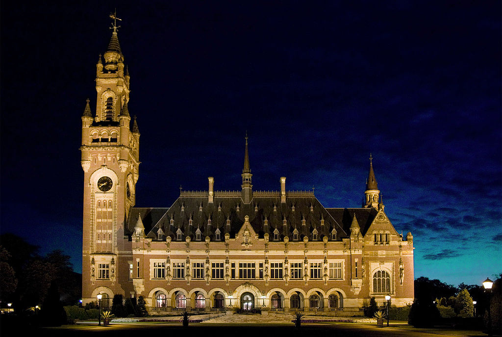 Exterior of the International Court of Justice at night. Wikimedia Commons/Creative Commons/Lybil BER