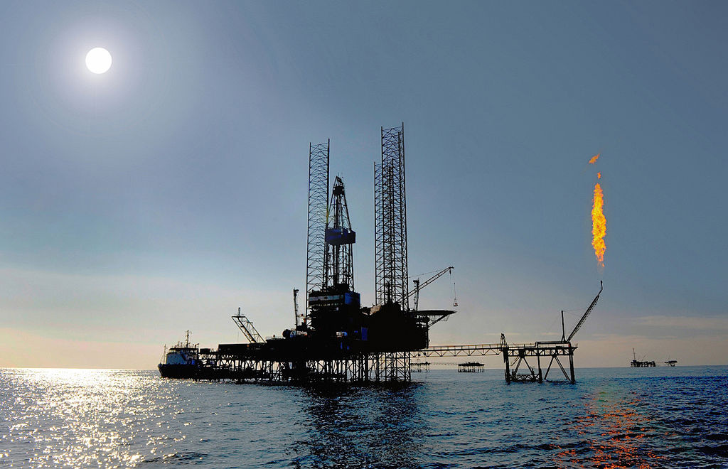 Mobile offshore drilling unit in Turkmenistan. Wikimedia Commons/Creative Commons/dragonoil.com