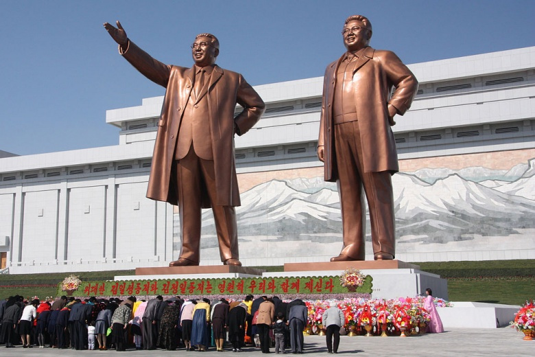 The statues of Kim Il Sung and Kim Jong Il on Mansu Hill in Pyongyang. Wikimedia Commons/J.A. de Roo