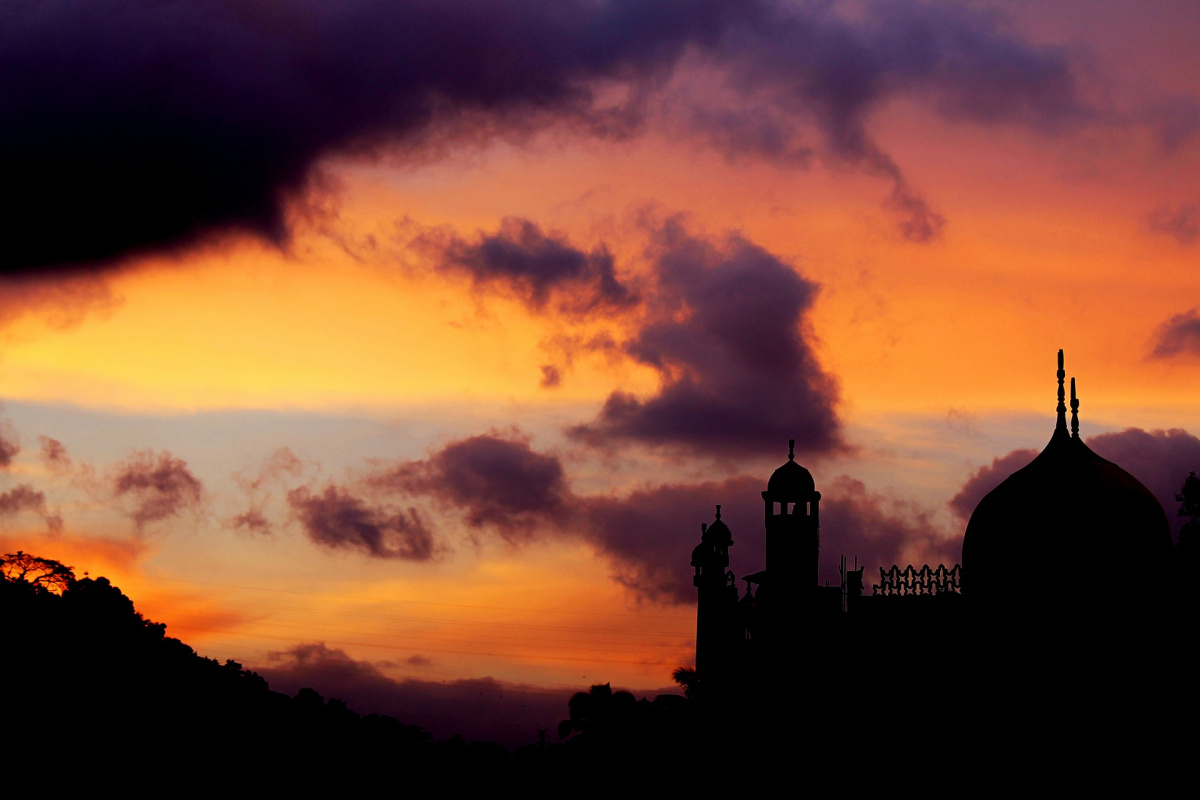 Sri Lankan mosque at sunset. Pixabay/Public domain