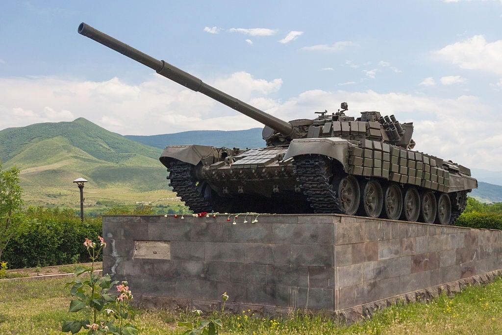 T-72 tank on a plinth in Nagorno-Karabakh. Wikimedia Commons/Creative Commons/Marcin Konsek