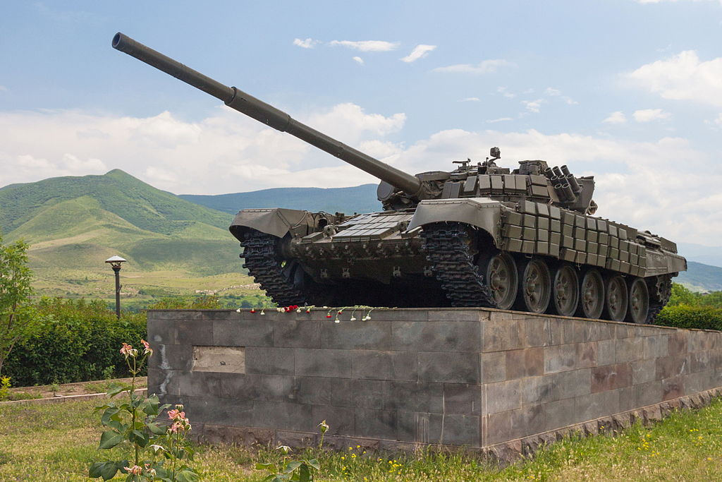 T-72 tank on a plinth in Nagorno-Karabakh. Wikimedia Commons/Creative Commons/Marcin Konsek