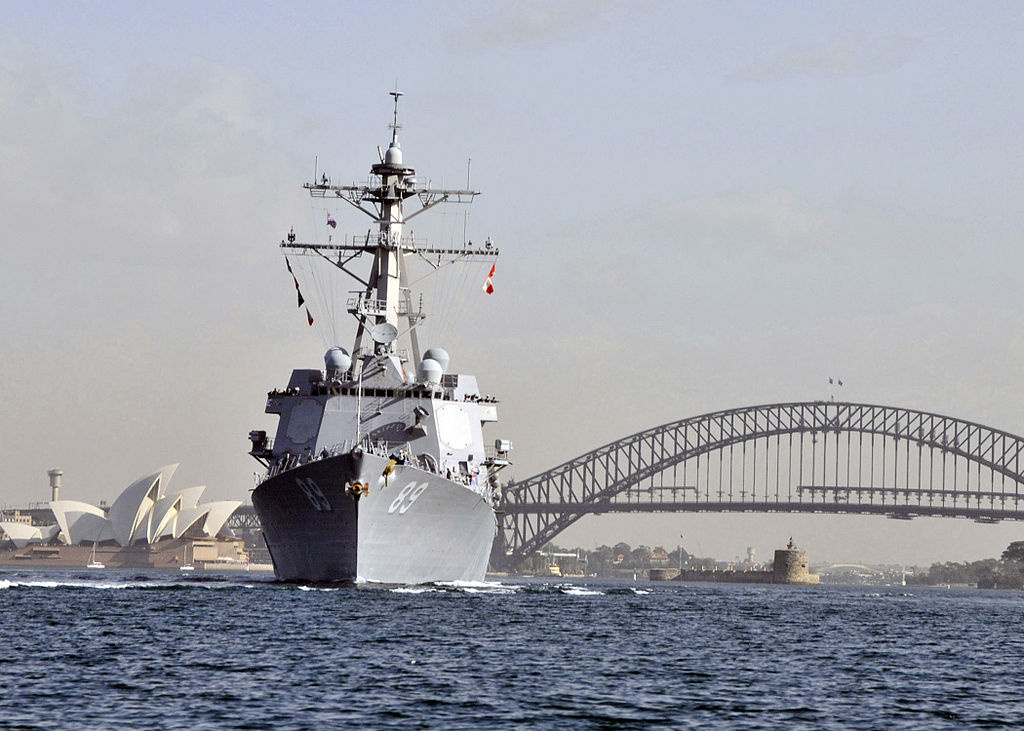 Guided-missile destroyer USS Mustin transits Sydney Harbor. Wikimedia Commons/U.S. Navy