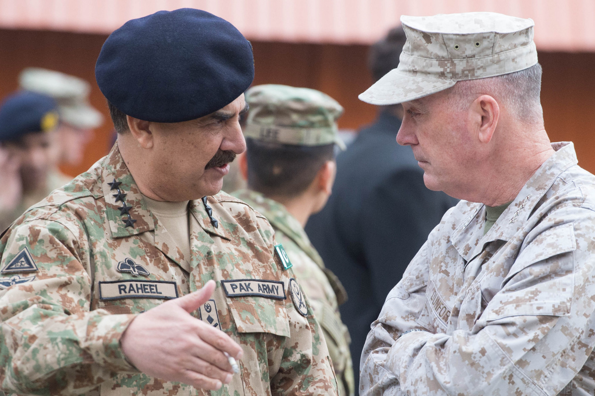 Gen. Raheel Sharif and Gen. Joseph F. Dunford Jr. Flickr/Chairman of the Joint Chiefs of Staff