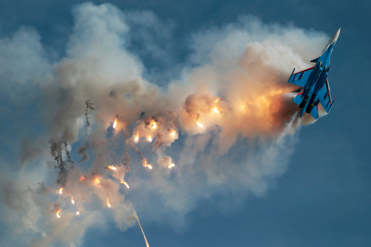 Sukhoi Su-30SM fighter of the Russkiye Vityazi (Russian Knights) aerobatic team performs at the ARMY 2017 International Military-Technical Forum at the Kubinka airbase outside Moscow, Russia August 27, 2017. REUTERS/Andrey Volkov