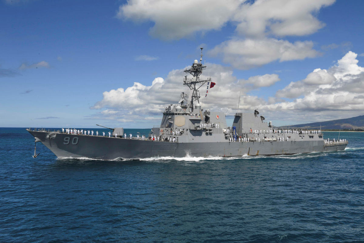 Arleigh Burke-class guided-missile destroyer USS Chafee (DDG 90) leaves Joint Base Pearl Harbor-Hickam in Hawaii, U.S. on June 13, 2017. Courtesy Kelsey L. Adams/U.S. Navy/Handout via REUTERS
