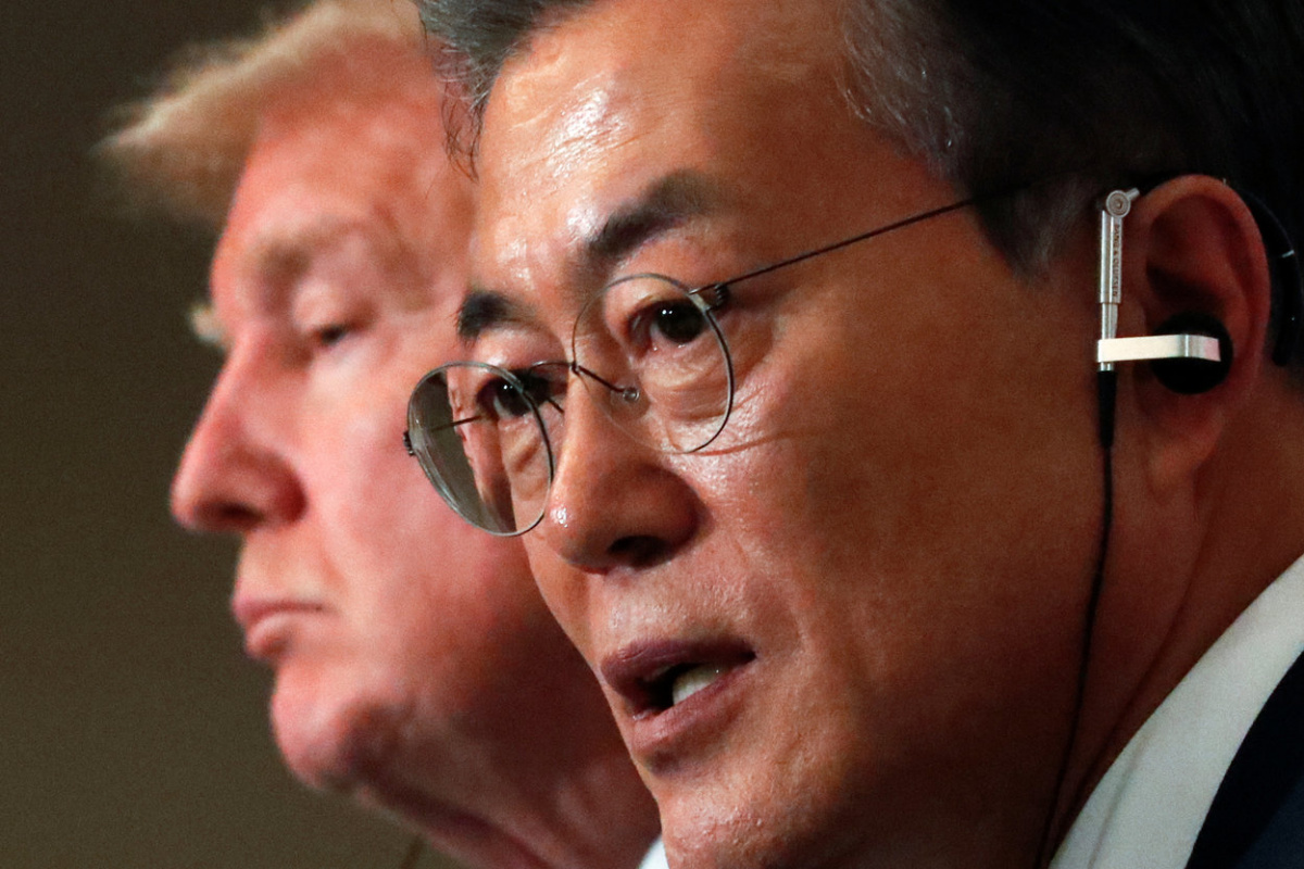 U.S. President Donald Trump and South Korea's President Moon Jae-in hold a joint news conference at the Blue House in Seoul, South Korea November 7, 2017. REUTERS/Jonathan Ernst