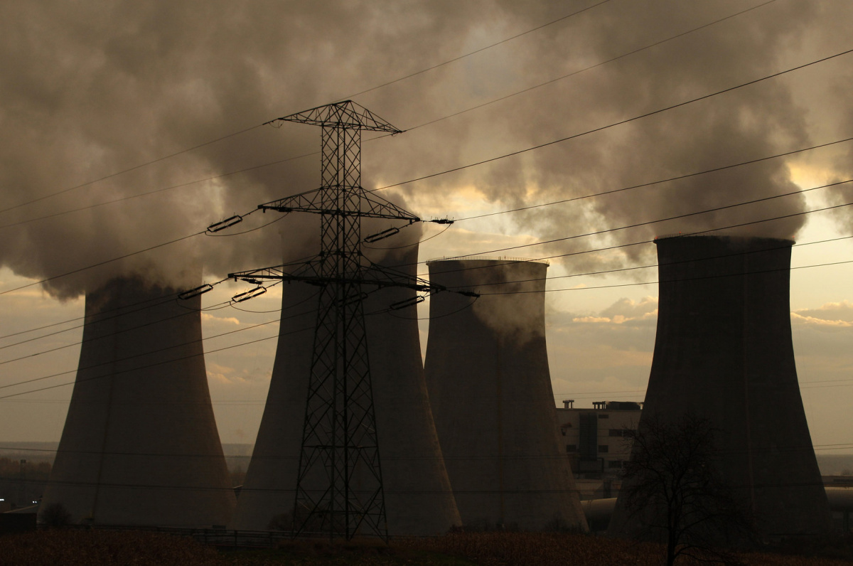 Cooling towers of the Laziska Power Station, a thermal plant, are seen in Laziska Gorne, in Silesia southern Poland November 6, 2013. The 19th conference of the United Nation Framework Convention on Climate Change will begin in Warsaw from Monday, November 11. Picture taken November 6, 2013. REUTERS/Kacper Pempel