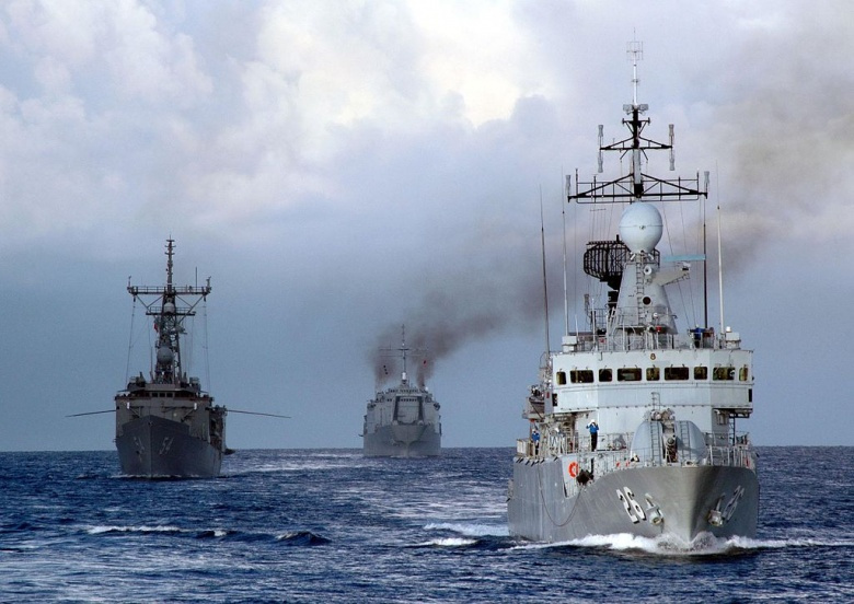 The U.S. and Royal Malaysian Navy vessels KD Lekir, guided-missile frigate USS Ford and KD Sri Inderapura sail in formation. Wikimedia Commons/U.S. Navy