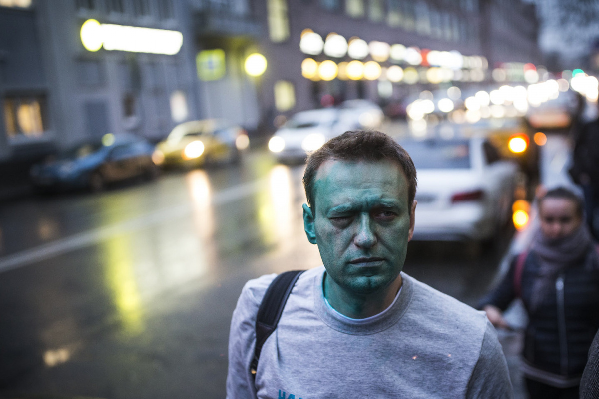 "Aleksei Navalny after being attacked with ""zelenka"" in Moscow. Wikimedia Commons/Creative Commons/Evgeny Feldman"