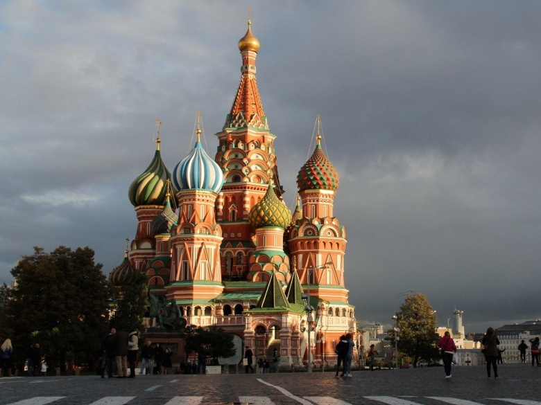 St. Basil's Cathedral, Red Square, Moscow. Flickr/Ana Paula Hirama.